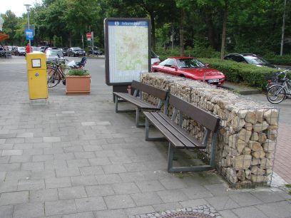 Der von der CDU entworfene Gremmendorfer Dorfplatz lädt immer zum Verweilen ein! Jedenfalls findet man hier immer ein Plätzchen zum Ausruhen...